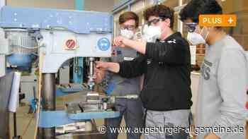 Praxis statt Pauken: Bobinger Mittelschüler arbeiten in Betrieben mit - Augsburger Allgemeine