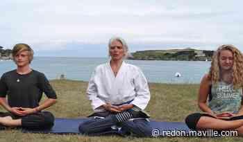 Dinard. Séance de yoga et méditation sur la plage ce mardi - maville.com