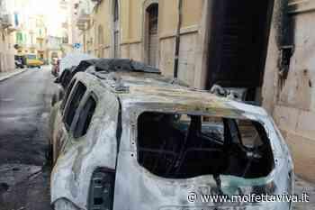 Alba di fuoco in via Michiello: due auto distrutte, una terza danneggiata - MolfettaViva