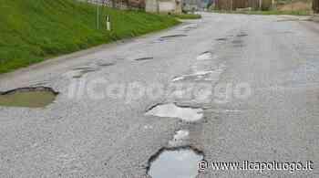 Montereale, strade colabrodo: buche in via della Molinella - Il Capoluogo