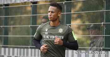 """HSV: Dennis Aogo verteidigt """"kompetente"""" Führung nach Trainerwechsel - SPORT1"""