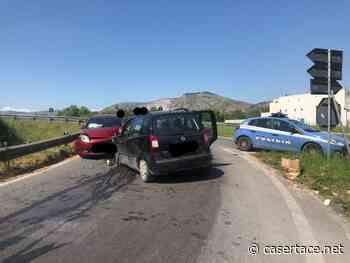 LA FOTO. MADDALONI. PAURA SULLA VARIANTE. Auto viaggia contromano e causa incidente, due feriti - CasertaCE