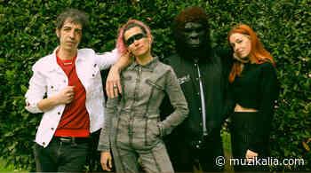 Escucha a ELYELLA con Magüi (Ginebras) y Marc Ros (Sidonie) - Muzikalia - Muzikalia