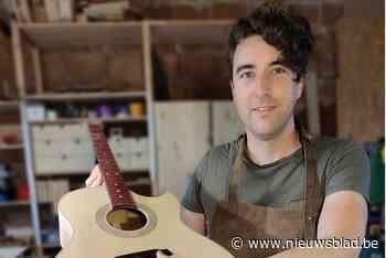 """Thomas realiseert droom als gitaarbouwer: """"400 uur voor 1 gitaar, maar geen stress"""""""