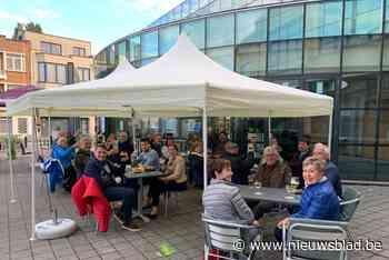 Nog geen wedstrijden maar supporters van Jeannekesboys & Girls tekenen present aan stamcafé - Het Nieuwsblad