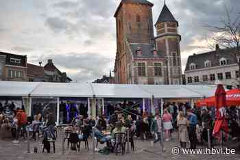 """Veel kritiek op """"gesloten feesttent"""" op de Markt van Tielt - Het Belang van Limburg"""