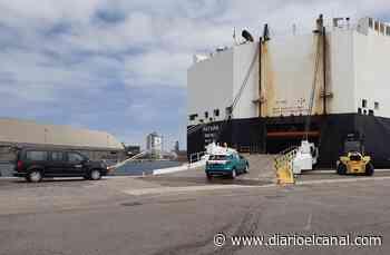 El puerto de Santander acoge el embarque del coche 9 millones fabricado en Volkswagen Navarra - El Canal Marítimo y Logístico