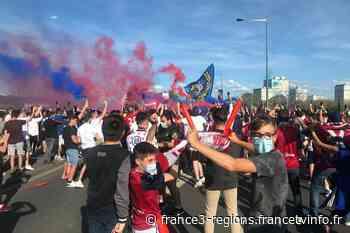 """Le Clermont Foot aux portes de la Ligue 1 : """"On est frustrés de ne pas pouvoir aller au stade"""" - France 3 Régions"""