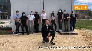 Neu-Ulmer Magier Florian Zimmer packt mit Fans auf der Baustelle an