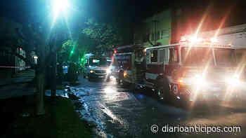 Incendio en Haedo sobre Emilio Castro, entre Suipacha y Libertad - Anticipos