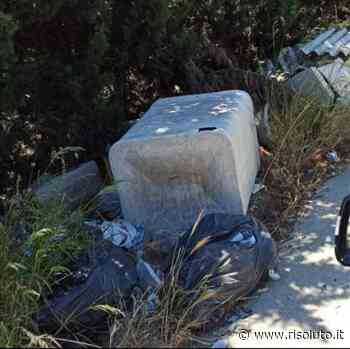 Sciacca, continua l'abbandono dei rifiuti e in via Sant'Agata dei Goti anche amianto - Risoluto