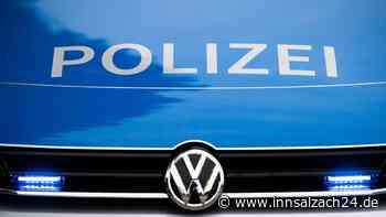 Unfall bei Mehring: Münchener (21) missachtet Vorfahrt und kracht in Burgkircherin (60)