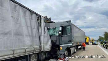 Unfall mit zwei Lkw führt zu fünf Kilometer Stau auf der A93