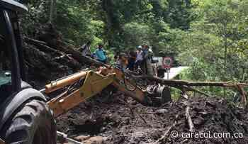 Derrumbes y bloqueos de camioneros afectan a bomberos de Planadas, Tolima - Caracol Radio