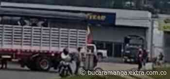 Transportadores bloquearon ingreso a Ubaté y se unieron al Paro Nacional [VIDEOS] - extra.com.co