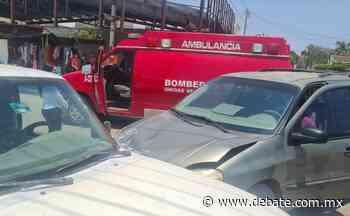Fuerte choque entre camionetas deja una mujer lesionada en La Cruz de Elota - Debate