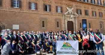 Sindaci protestano a Palermo per istituzione delle Zone Franche Montane - La Sicilia