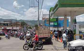 En Viterbo hay filas en las estaciones de gasolina - La Patria.com