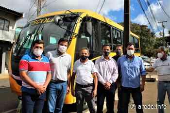Prefeitura de Ortigueira recebe novo ônibus escolar | A Rede - Aconteceu. Tá na aRede! - ARede
