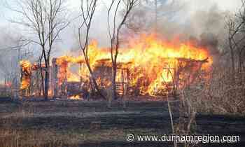 News VIDEO: Another grass fire keeps firefighters busy in Courtice DurhamRegion.com 0 Comments by Liam - durhamregion.com