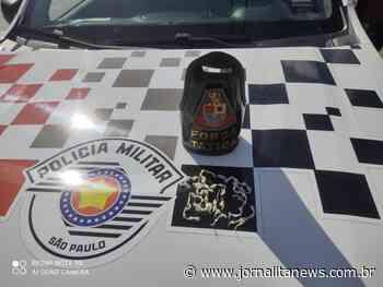 Rapaz é preso por tráfico de drogas na Vila Santa Maria - Jornal Ita News