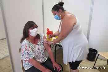 Covid-19 - Une vaccination bien dosée à la salle des fêtes de Pithiviers - La République du Centre