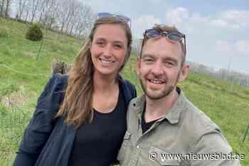 """Elisa (32) en Michael (35) worden niet voor niets 'de Soigneurs' genoemd: """"Ideeën zat bij de heropening van ons clubhuis"""" - Het Nieuwsblad"""