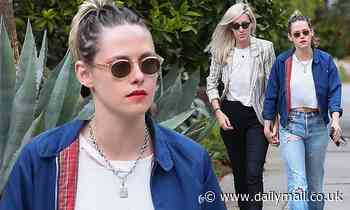 Kristen Stewart holds hands with her girlfriend Dylan Meyer on romantic stroll in Los Angeles - Daily Mail