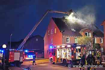 Brand in Flüchtlingsunterkunft: Flammen schlagen aus dem Dachgeschoss - Lengerich - Allgemeine Zeitung