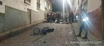Dos heridos, un detenido y un policía golpeado tras accidente en Pácora - La Patria.com