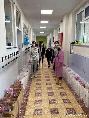 Ouderraad De St@rtbaan maakt 250 ontbijtkorven voor Moederdag - Het Belang van Limburg