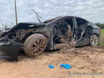 Cayeron a un tajamar: tres ahogados en accidente vehicular en Boquerón - Nacionales - ABC Color