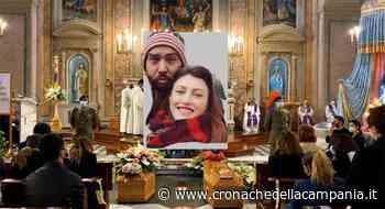Casagiove, folla commossa per i funerali di Pasquale e Chiara - Cronache della Campania