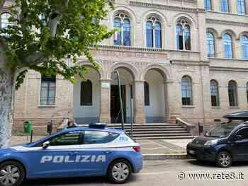 Teramo: allarme bomba rientrato al Liceo Scientifico 'Einstein' - Rete8