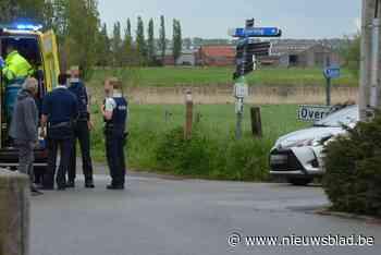 Fietsster gewond op Oudeburgse Sluis - Het Nieuwsblad