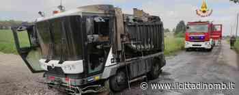 Vimercate: si incendia una spazzatrice stradale, nessun ferito - Il Cittadino di Monza e Brianza