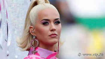 Katy Perry setzt Zeichen: Deswegen zeigt sie sich im TV mit unrasierten Beinen - VIP.de, Star News