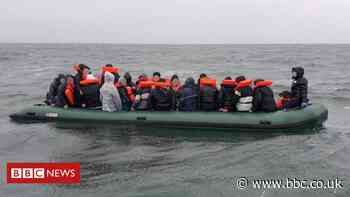 Eight boats carry 186 migrants across English Channel