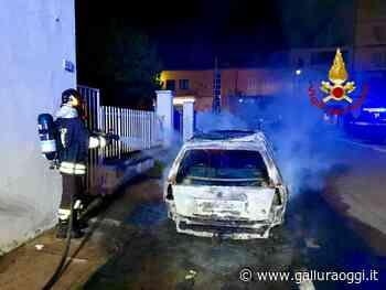 Olbia, auto distrutta dalle fiamme in via Peruzzi, non escluso il dolo - Gallura Oggi