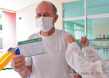 Prefeito José Fernandes recebe 1ª dose da 'vacina da esperança' contra a COVID-19 - Prefeitura de Assis