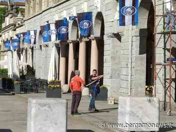 Bergamo si prepara per Atalanta-Juve: bandiere in centro, ma non slitta il coprifuoco - BergamoNews