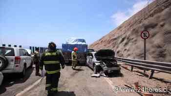 Un matrimonio y sus dos hijos mueren tras choque con camión en Tarapacá - 24Horas.cl