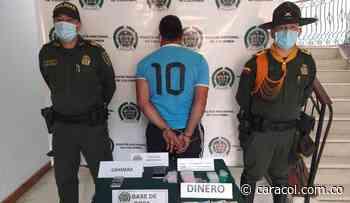Capturan en flagrancia un hombre en Aguadas por tráfico de estupefacientes - Caracol Radio