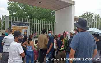 Visitantes arman zafarrancho en el panteón Arboledas del Consuelo - El Sol de San Luis