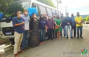 Prefeitura de Bom Jesus do Itabapoana entrega micro-ônibus para a APAE - Defesa - Agência de Notícias