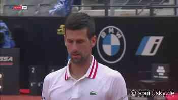 Tennis Video: Djokovic rastet beim ATP-Masters in Rom aus und brüllt Schiedsrichter an - Sky Sport