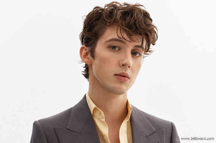 Regard, Troye Sivan & Tate McRae Reach No. 1 on Dance/Mix Show Airplay Chart in Record Time With 'You'