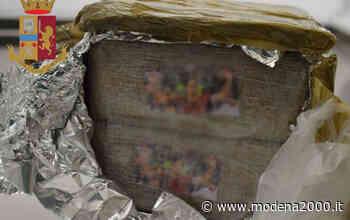 Giovane donna fermata dalla Polizia a Reggio Emilia, trasportava oltre 6 kg di hashish - Modena 2000