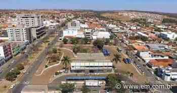 COVID-19: Coromandel volta a decretar toque de recolher após alta de casos - Estado de Minas