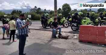 Video: Policía y Esmad hacen presencia en San Alberto para habilitar vía Bucaramanga - La Costa - Vanguardia